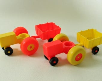 Fisher Price Little People, #915 Play Family Farm, Tractor and cart