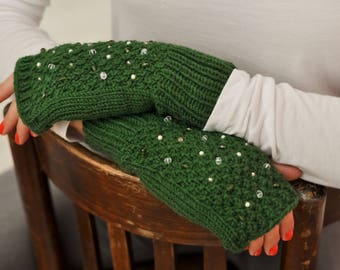 CHRISTMAS IN JULY Knit fingerless mittens Wool mittens Ladies fingerless Knitted fingerless gloves Knit mittens Winter mittens Green gloves