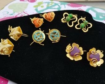 Earring gold plated flower violet, easy to put