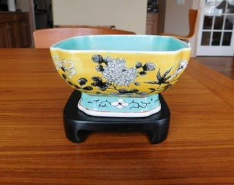 Vintage Chinese Porcelain Yellow Bowl Qing Dynasty