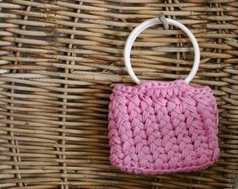 Crochet pink hansbag