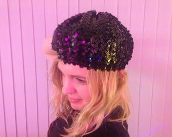 Black shiny sequin beret - 70s style