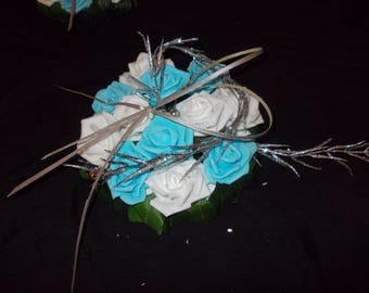 wedding centerpiece table blue and white flowers