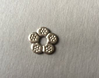 flat flower bead
