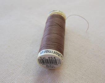 Sewing thread Brown n 454 Gütermann 100% polyester