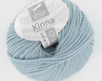thread 100% wool KINNA collar 210 glacier white horse