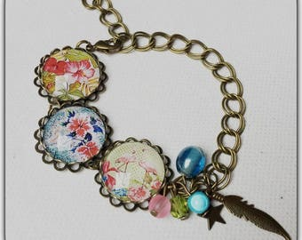 Colorful bracelet, hibiscus flowers, summer, Bohemian, glass cabochons feather, boho, chic.