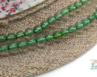 30 Green two-tone glass beads and clear 6mm (pv749)