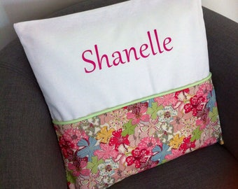 To order: Cushion cover, name and / or birth announcement