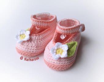 Chaussons bébé fille ballerines à fleurs rose layette et saumon