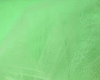 Pistachio green tulle width 300 cm