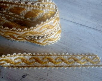 Wide ribbon Brocade festone for your creations... 1 m X 2.5 cm wide