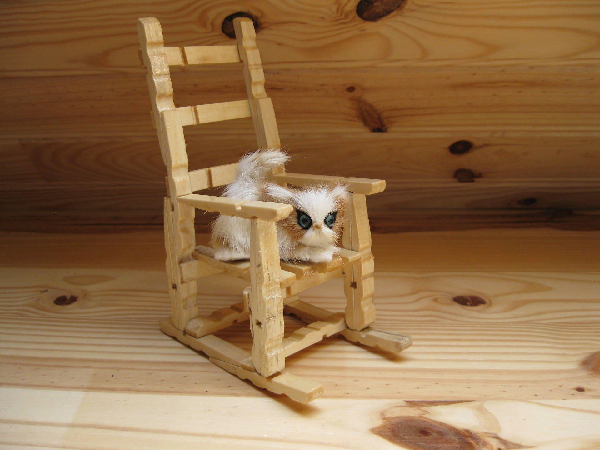 chaise en bois en pingles linge. Black Bedroom Furniture Sets. Home Design Ideas