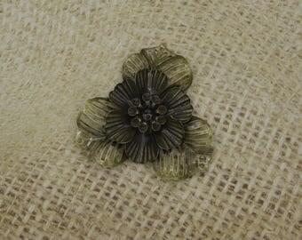 bronze 1 large metal flower 3 large petals 47mm