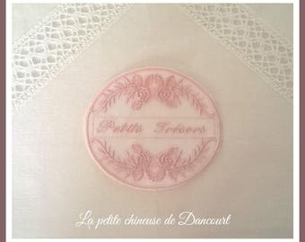 Powder pink little treasures Medallion