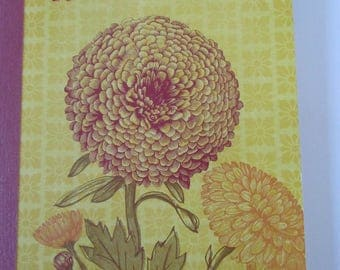 "Notebook - ""flower - Dahlia"" Theme with a phrase on the cover"