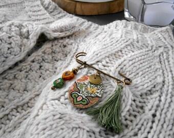 ethnic Bohemian Green Khaki/orange/bronze pin