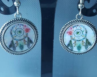small pair of earrings dream catcher
