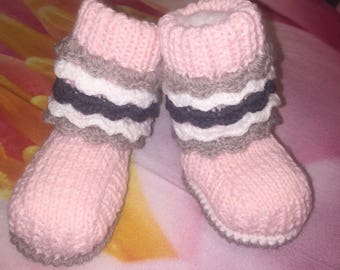 Ballet shoe pink with white and gray line