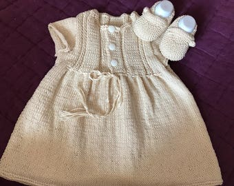 Beige dress with snap with slippers