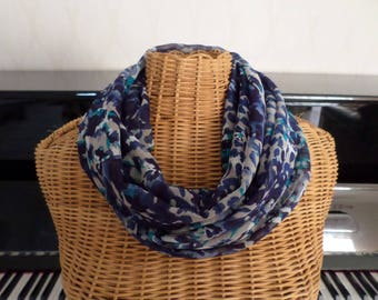 snood scarf in shades of blue, gray, white