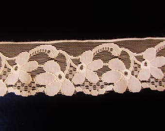 1 meter of 5 cm width nude color Calais lace