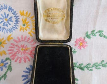 Charming little vintage retail earring box
