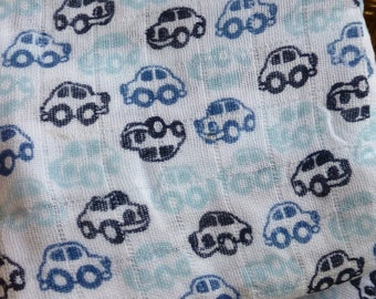 """Lange fancy blanket for baby - """"blue cars"""" printed on white cotton muslin"""