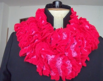 Scarf frou-frou woolen knitted by hand, red and pink