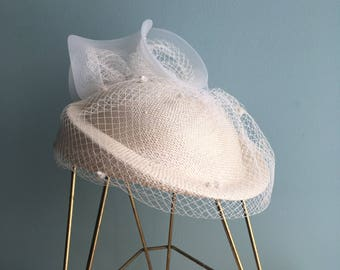 Vintage Formal Straw Wedding Hat//Mesh Veil Hat//Saucer//Cello