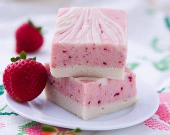 Strawberry Cheesecake Fudge - 1/2 lb - 225 grams