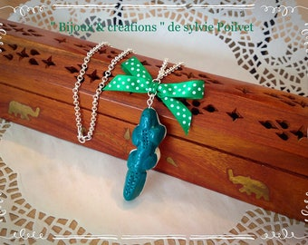 Sweet emerald green crocodile Necklace: