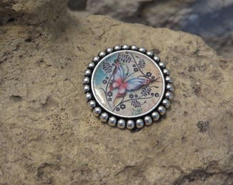 "Silver round brooch ""fluttering collection"""