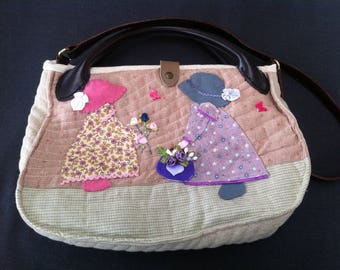 Purse with appliqué