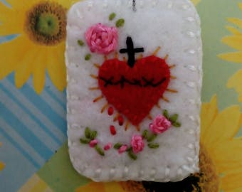 Hand embroidered scapular-scapular of the sacred heart with pink roses