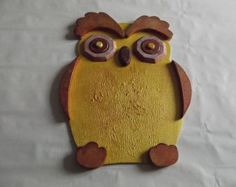 Large decorative OWL pattern in relief