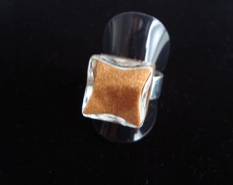 Ring filled with real sand from the Libyan desert glass