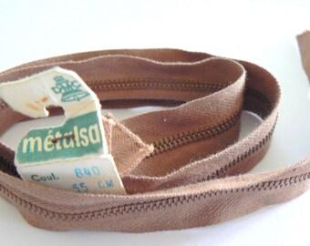 Dmc Metalsa No. 840 50-70's Brown 55cm zip