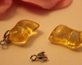 Set of 2 Charms charms 20mm yellow Crackle glass beads