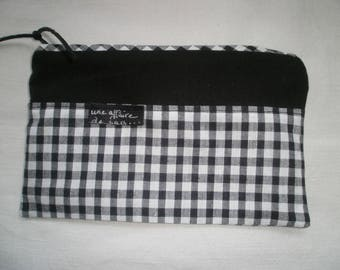 retro gingham pouch