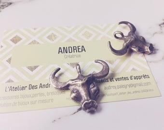 "Set of 2 ""Bull heads"" dangles / bronze / 32 x 27 mm"
