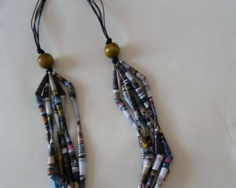 Multiwire hippy-style necklace with Pearl paper and wood beads