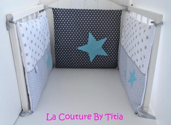 tour de lit fait main etoiles gris et bleu etoile. Black Bedroom Furniture Sets. Home Design Ideas