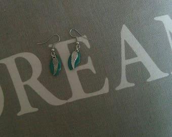 Sequins enamelled earrings - green & silver