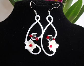 Earrings made of aluminum wire, Pearl and fabric flower