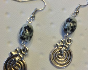Spirals and beads earrings