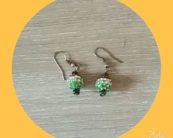 earring with a red white Green Pearl