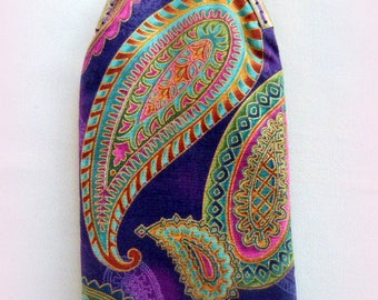 Paisley fabric glasses case.