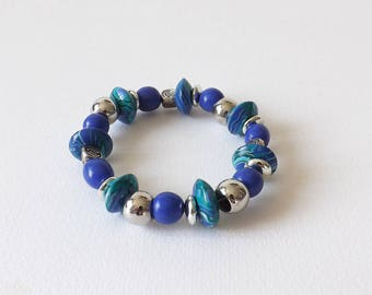 Blue and green bracelet chic and elegant to wear for any occasion