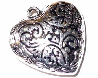 1 silver domed CCB 34mm - CCBC48 heart pendant